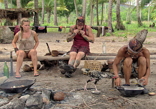 Julia Sokolowski, Kyle Jason, Tai Trang and Mark the Chicken in Episode 11 of Survivor: Kaoh Rong.