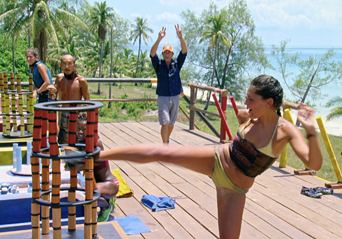 Michele Fitzgerald winning the final immunity challenge in Episode 14 of Survivor: Kaoh Rong.