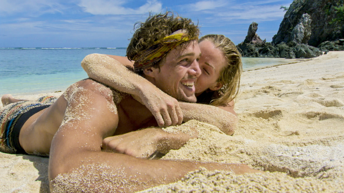 """My Kisses Are Very Private"" - Cole Medders and Jessica Johnston on the third episode of SURVIVOR 35, themed Heroes vs. Healers vs. Hustlers, airing Wednesday, October 11 (8:00-9:00 PM, ET/PT) on the CBS Television Network. Photo: Screen Grab/CBS ©2017 CBS Broadcasting Inc. All Rights Reserved"