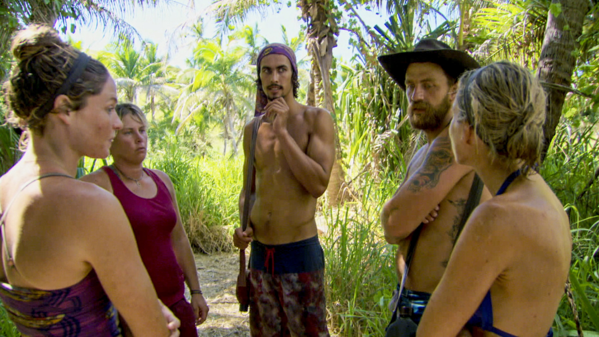 """""""Buy One, Get One Free"""" - Ashley Nolan, Lauren Rimmer, Devon Pinto, Ben Driebergen and Chrissy Hofbeck on the tenth episode of SURVIVOR 35, themed Heroes vs. Healers vs. Hustlers, airing Wednesday, November 29 (8:00-9:00 PM, ET/PT) on the CBS Television Network. Photo: Screen Grab/CBS ©2017 CBS Broadcasting Inc. All Rights Reserved."""