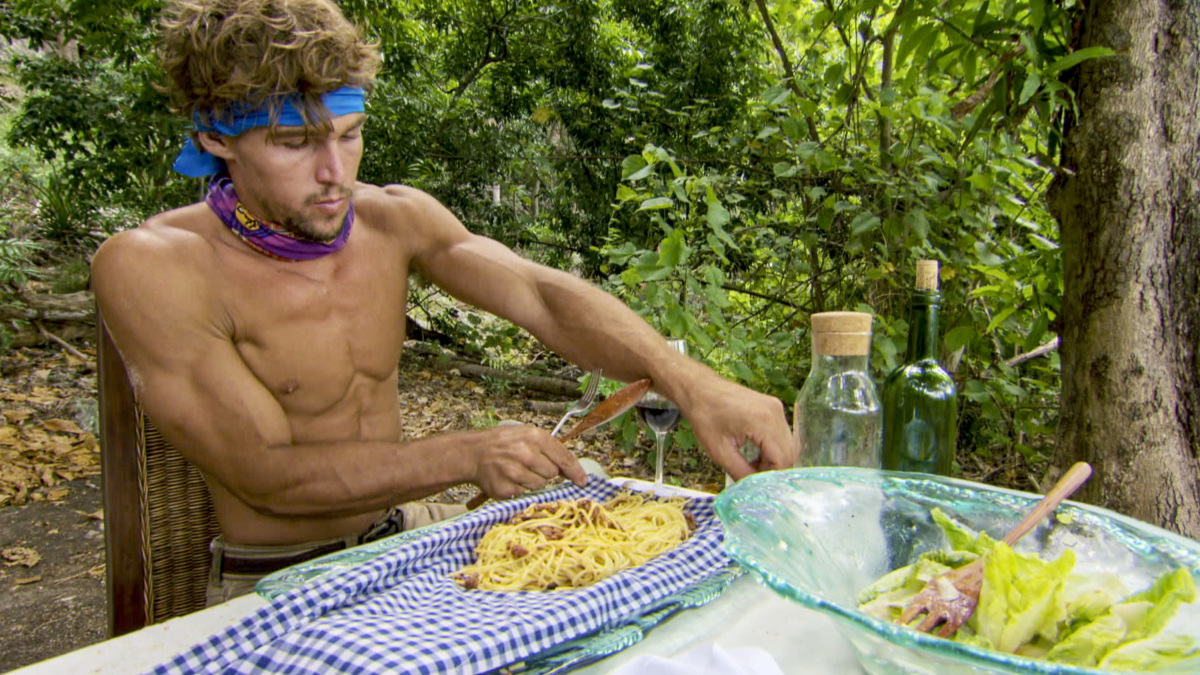 """Playing with the Devil"" - Cole Medders on the eighth episode of SURVIVOR 35, themed Heroes vs. Healers vs. Hustlers, airing Wednesday, November 15 (8:00-9:00 PM, ET/PT) on the CBS Television Network. Photo: Screen GrabCBS ©2017 CBS Broadcasting Inc. All Rights Reserved."