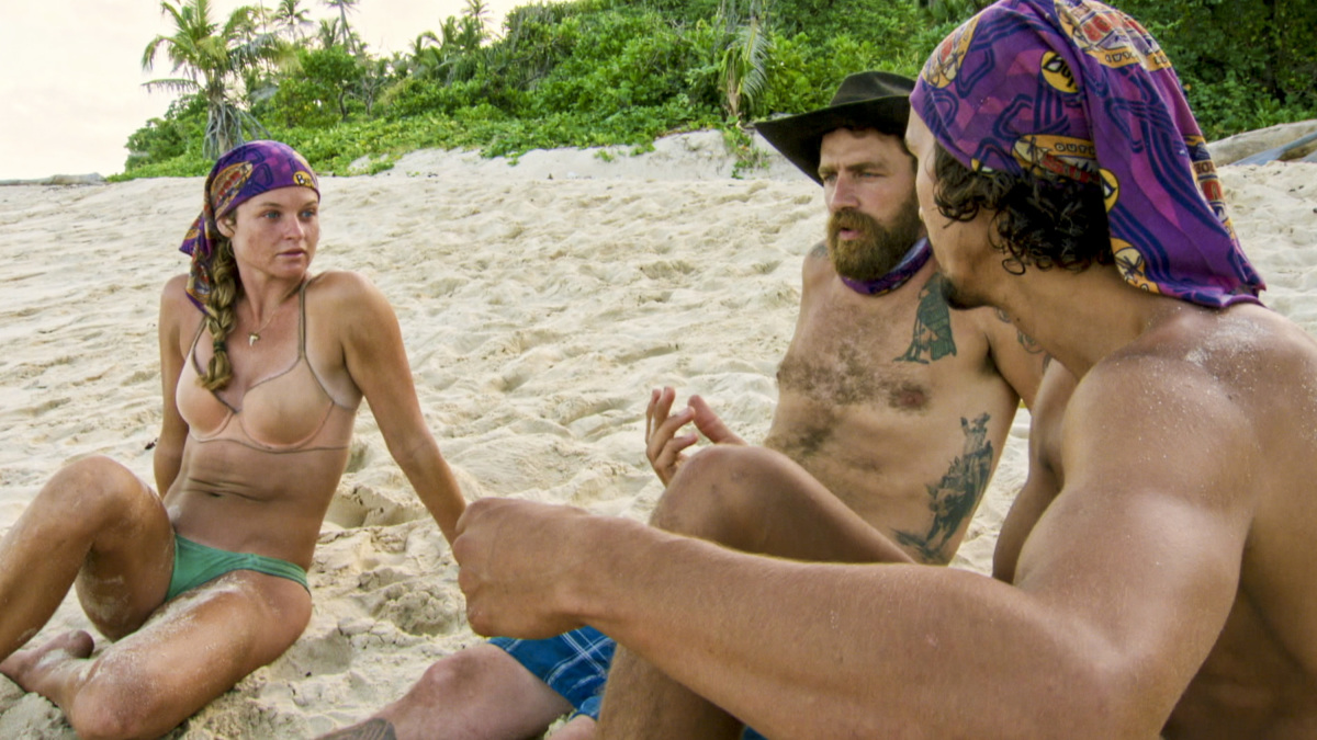 """""""Buy One, Get One Free"""" - Ashley Nolan, Ben Driebergen and Devon Pinto on the tenth episode of SURVIVOR 35, themed Heroes vs. Healers vs. Hustlers, airing Wednesday, November 29 (8:00-9:00 PM, ET/PT) on the CBS Television Network. Photo: Screen Grab/CBS ©2017 CBS Broadcasting Inc. All Rights Reserved."""