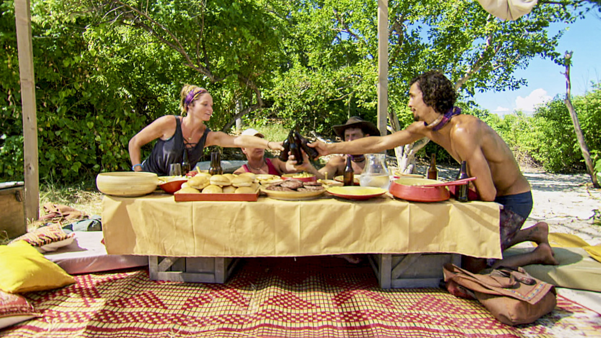 """""""Buy One, Get One Free"""" - Ashley Nolan, Lauren Rimmer, Ben Driebergen and Devon Pinto on the tenth episode of SURVIVOR 35, themed Heroes vs. Healers vs. Hustlers, airing Wednesday, November 29 (8:00-9:00 PM, ET/PT) on the CBS Television Network. Photo: Screen Grab/CBS ©2017 CBS Broadcasting Inc. All Rights Reserved."""